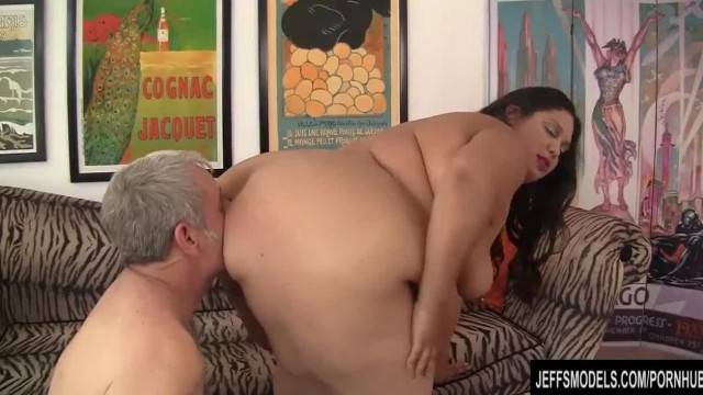 Wide Body Brunette gets her Fat Twat Screwed Deep