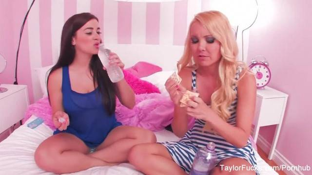 The Cracker Challenge with Taylor Vixen and Aaliyah Love