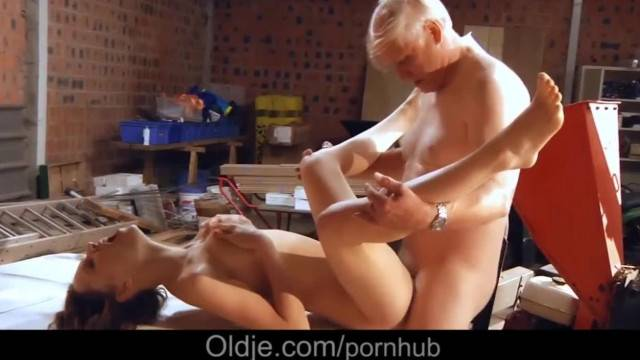 Incredible Young Girl Fucks old Man and gives him her Tight Pussy