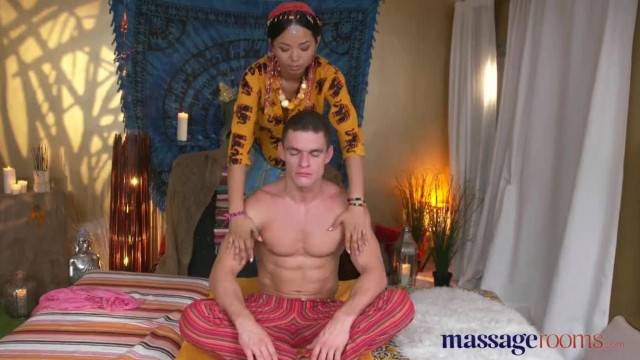 Thai Massage with sexy babe Jureka Del Mar