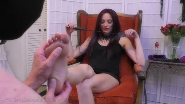 Raven Rae Foot Slave Reward