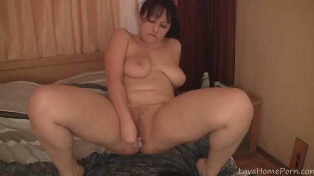 Perfect Amateur Passionately Masturbates on the Webcam