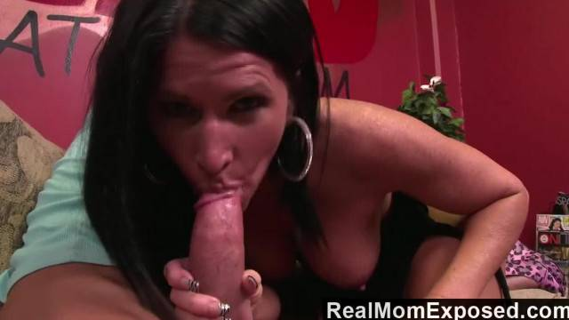 RealMomExposed Fucking a MILF before her Cam Show