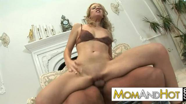 Gorgeous MILF Trinity gets her pussy fucked and creamed
