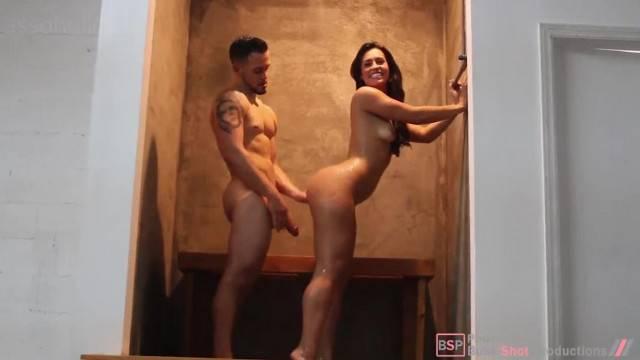 Kelsi Monroe Fucking in the Shower