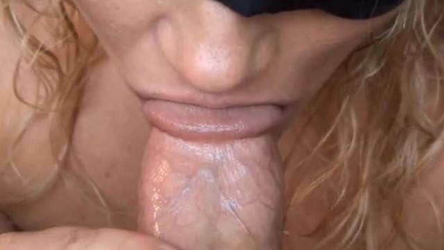 I met this girl online and she swalloed my jizz on first date