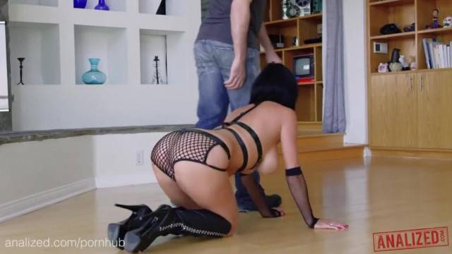 ANALIZED Veronica Avluv s MILF Ass Double Stuffed with Huge Cocks