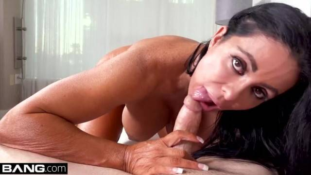 MILF Simone Garza s Pussy is Ready for a Workout
