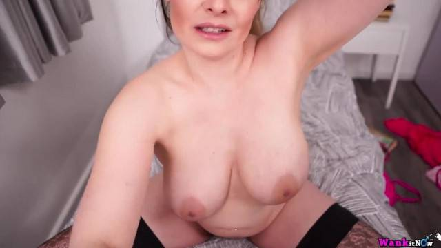 Busty mature on webcam show touching her big breats and nips