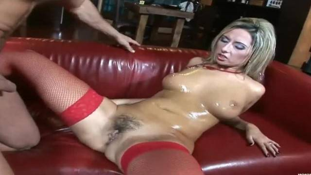 Big Tits Daria Flower Opens her Cooch for Cock