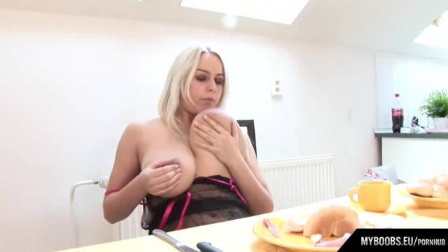 Busty Melissa Mandlikova gets Brekfast and Masturbates on Table