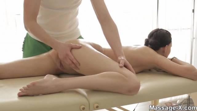 Brunette cutie gets pussy massage before deep fuck