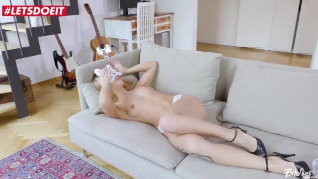 Horny Blonde Deepthroats Big Cock And Gets Pumped Fast