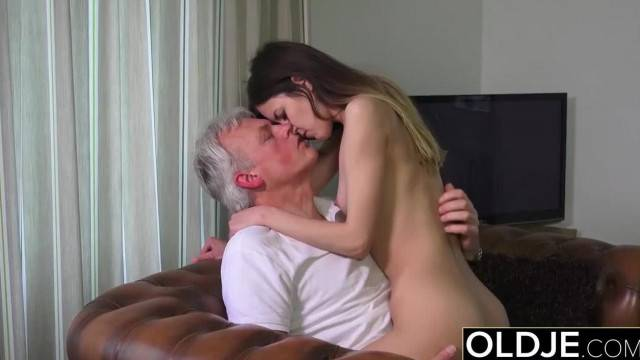 Teenie seduces and has sex with grandpa cock on her couch in old young