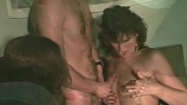 Mature lady gets her pussy pounded and fisted in threesome