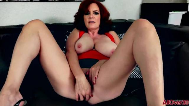 Dirty talk and masturbation with horny mature lady