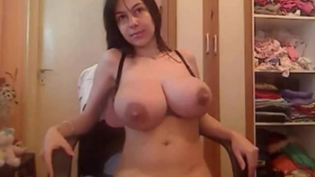 Enormous Tits Amateur Pregnant Girl Lactating Nipples