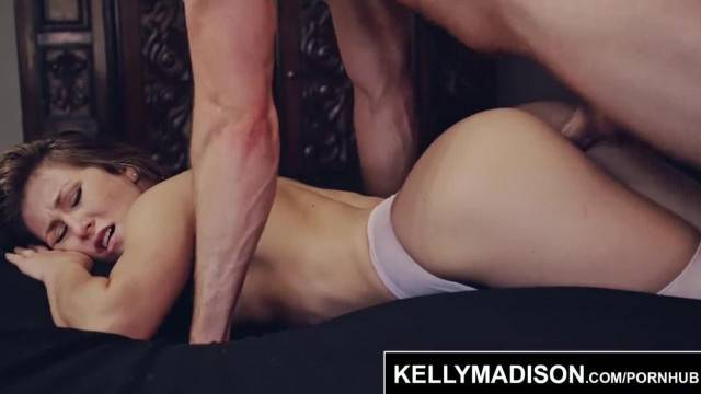 Slutty babe Paige Owens fills her mouth and pussy with cum