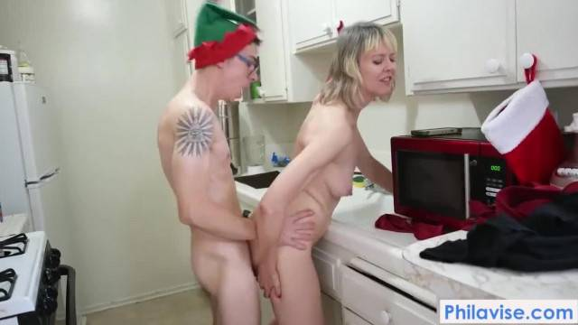 Mom has her way while Dad is Away an Xmas Special