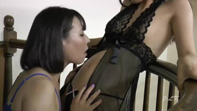 Japanese Navel Lick and finger for sexy pleasures