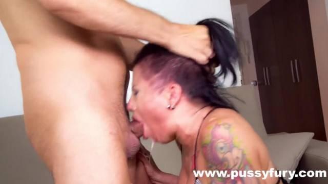 Gigi Love makes an Awesome Deepthroat