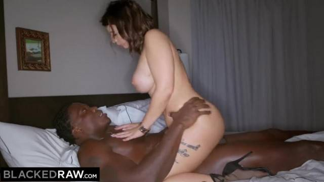 Big titty babe Ivy Lebelle rides hard BBC after first date