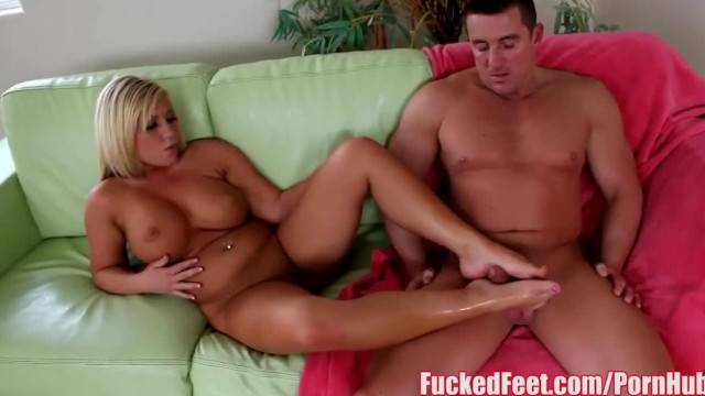 Soles worship and foot job with blonde cutie Heidi Hollywood