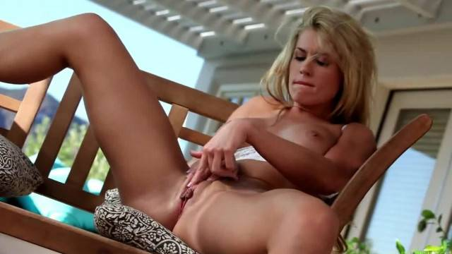 Outdoor sexy time with hot blonde babe Randy Moore