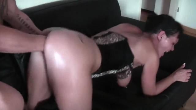 MILF hottie gets her pussy destroyed in brutal amateur fisting