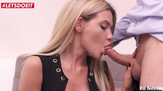 Blonde hottie Subil Arch fucked in doggy style during porn casting