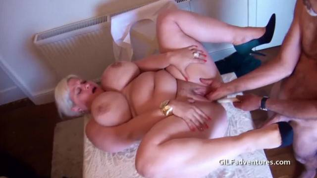 Amateur blowjob and fisting with mature kinky couple