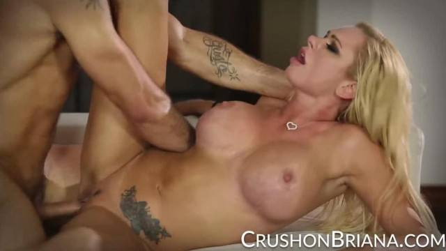 Gorgeous MILF Briana Banks gets her pussy destroyed by stud